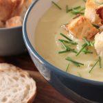 Potato-Leek-Soup-with-Garlic-Croutons_2-1